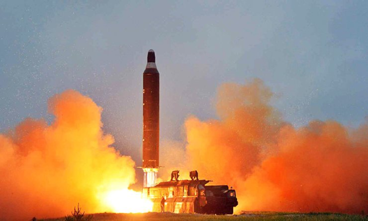 A Hwasong-10 strategic ballistic missile, also known as the Musudan, is test-fired in this photo released by North Korea's Rodong Sinmun on June 23. Amid growing nuclear and missile threats from Pyongyang, there are some calls for South Korea to pursue nuclear armament. / Yonhap
