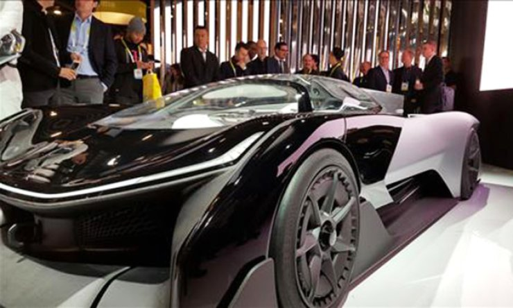 The U.S.-based electric vehicle maker start-up Faraday Future's first concept car, the single-seat FFZERO1, is displayed during the 2016 Consumer Electronics Show (CES) in Las Vegas, Nevada, January. LG Chem has recently reached a battery supply deal worth 2.7 trillion won ($2.4 billion) with Faraday Future. / Yonhap