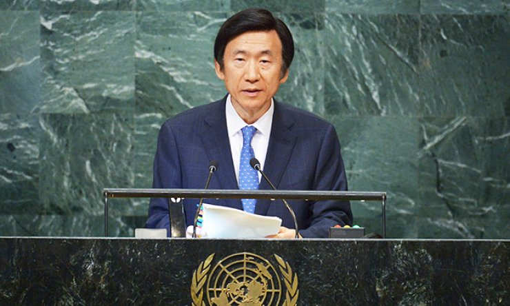 Foreign Minister Yun Byung-se addresses the 71st session of the United Nations General Assembly at the U.N. headquarters in New York, Thursday. / AFP-Yonhap