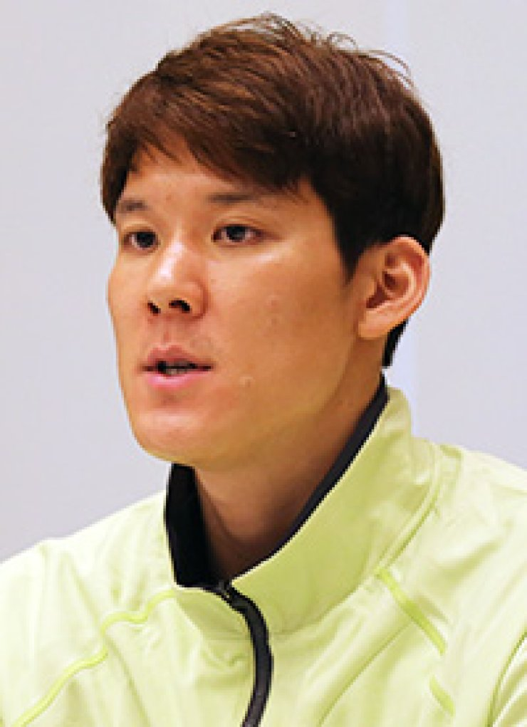 Swimmer Park Tae-hwan speaks to reporters in Tokyo, Monday. Park revealed how he was pressured not to participate in the Rio Summer Olympics by former Vice Minister of Culture and Sports Kim Chong./ Yonhap