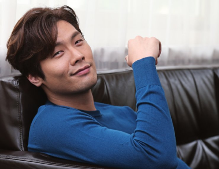 Choi Daniel poses at a cafe in Samcheong-dong, central Seoul, on Aug. 20. / Yonhap