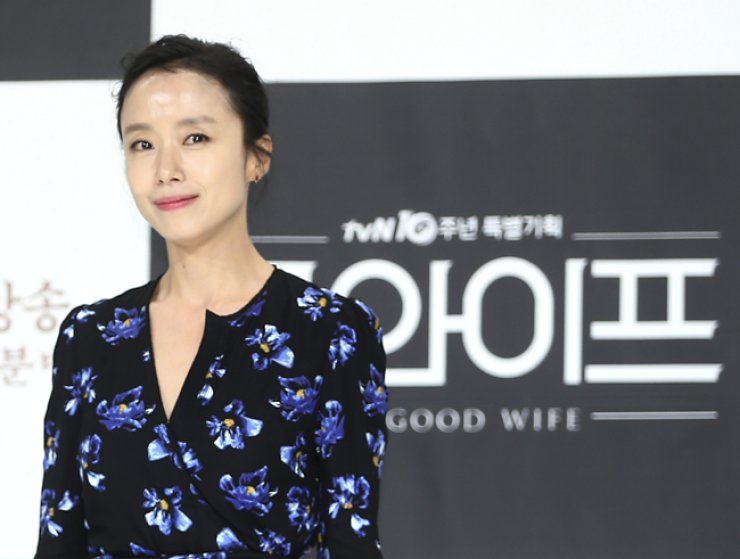 Actress Jeon Do-yeon poses for a photo at a press conference of 'The Good Wife,' a Korean remake of the hit CBS series, at Amoris Hall in Seoul on June 29. / Yonhap