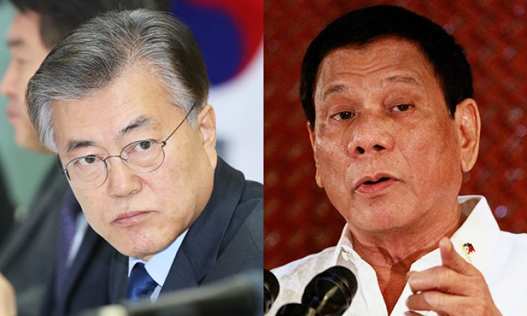 Presidential hopeful Moon Jae-in, left, and Philippine President Rodrigo Duterte
