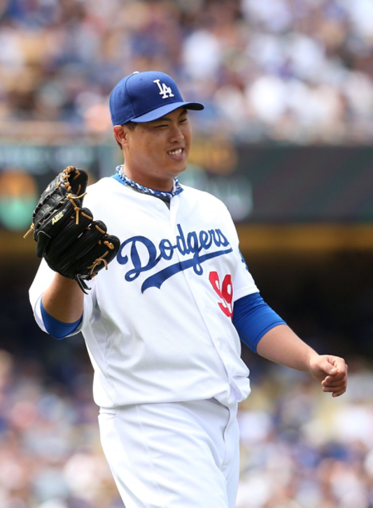 Ryu Hyun-jin has pitched well since joining the Los Angeles Dodgers last year, posting a 17-10 regular season record so far. / AFP-Yonhap