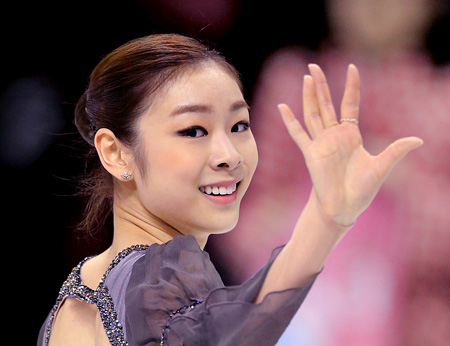 A dominant skater in this Olympic season, Russia's Julia Lipnitskaia is the favorite to win the Grand Prix Finals in Fukuoka, Japan, which begins Thursday. / AP-Yonhap