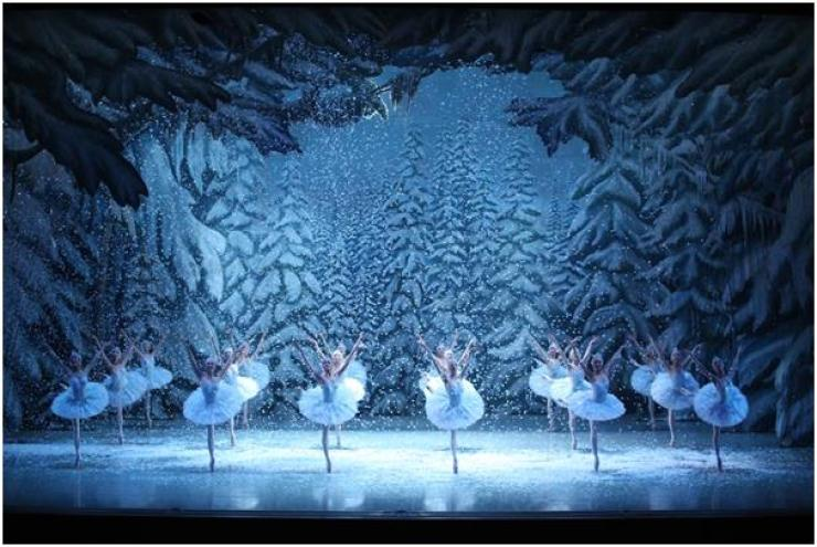 A scene from 'The Nutcracker' by Universal Ballet. / Courtesy of Universal Ballet