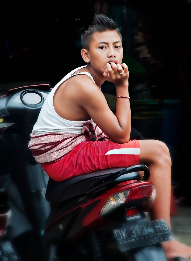Siem Reap old monk by Tom Coyner, December 6, 2009.