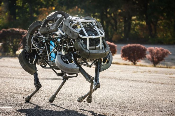 The WildCat robot, manufactured by U.S. robotics company Boston Dynamics, is the world's fastest free-running robot with four legs, capable of running at 32 kilometers per hour. The development of the robot that can be used in the battlefield was funded by the Defense Advanced Research Projects Agency (DARPA), the Pentagon's research arm. Noel Sharkey, a professor of artificial intelligence and robotics at the University of Sheffield, said, 'We do not know what military purpose it (the WildCat) will serve but certainly it is a step towards a high-speed ground robot that could be weaponized to hunt and kill,' according to UPI. / Courtesy of Boston Dynamics