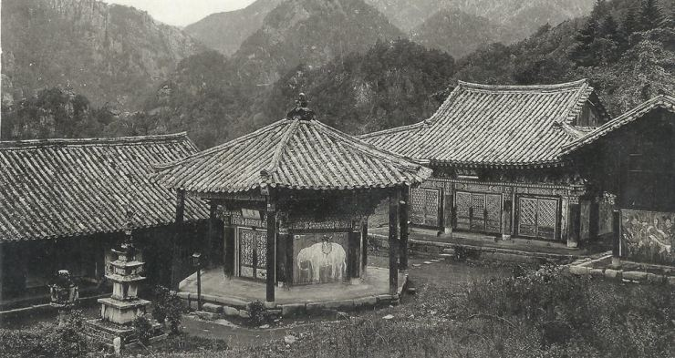 A painting of an elephant at Jeongyang Temple in northern Korea circa 1920s / Courtesy of Robert Neff Collection