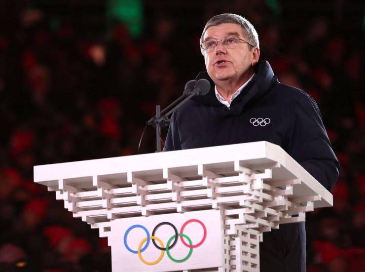 International Olympic Committee President Thomas Bach speaks during the closing ceremony of the PyeongChang Winter Olympics, Sunday. / Yonhap