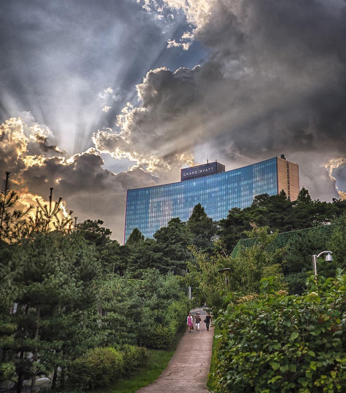 2013-10-27. Magoksa. Photo by Tom Coyner