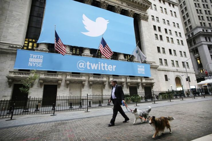 Twitter is set to join Facebook and Google in banning cryptocurrency advertisements. / Korea Times file