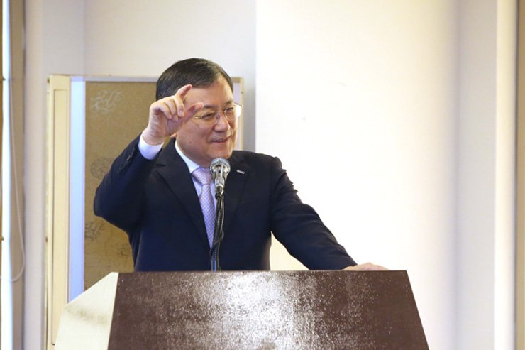 KAIST President Shin Sung-chul speaks to reporters at the Korea Press Center in Seoul, Tuesday. / Courtesy of KAIST