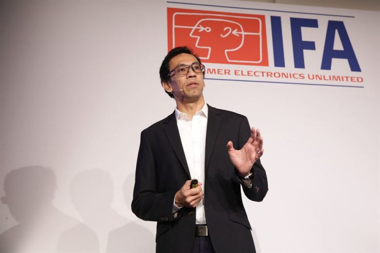 Gerard Tan, senior director of GFK Asia, speaks at a briefing of the IFA Global Press Conference in Rome, Friday. / Courtesy of IFA