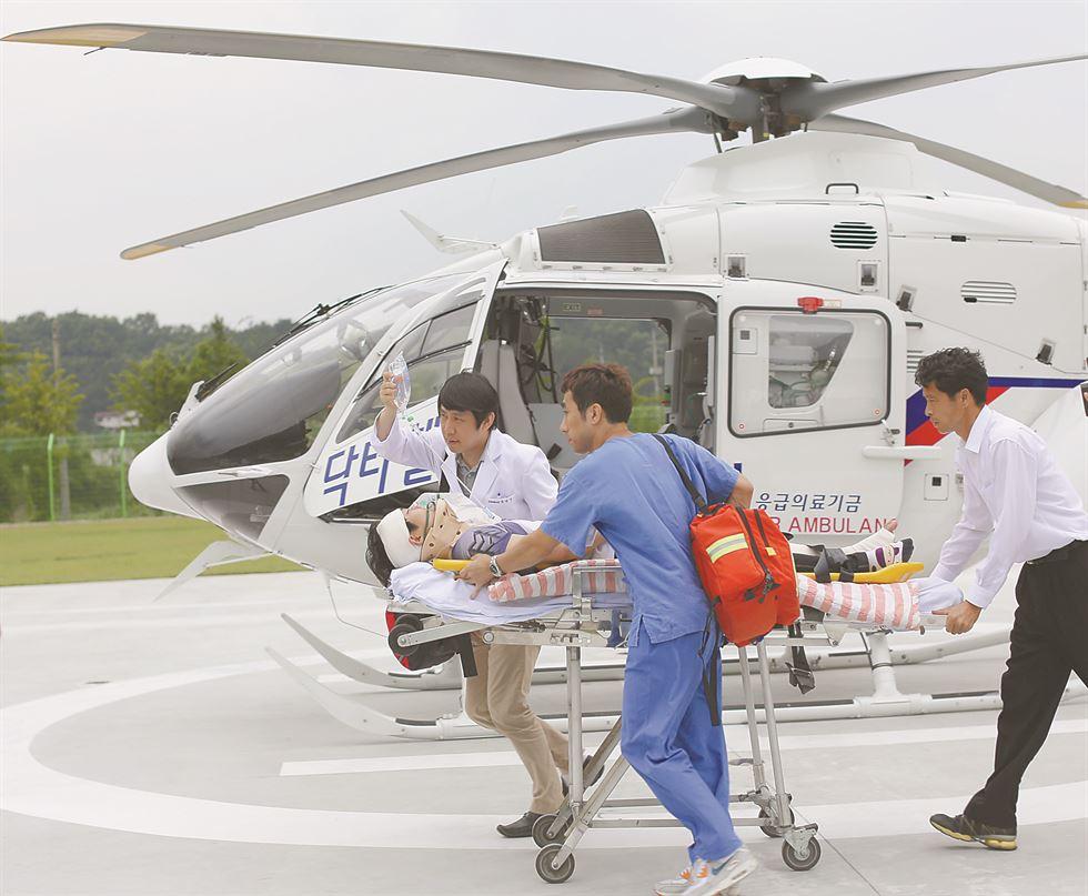 Emergency flew for treatment in Korea 77