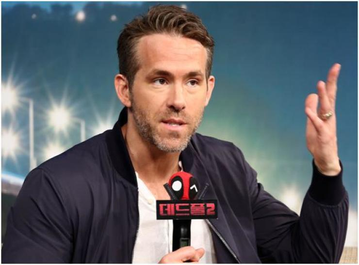 Actor Ryan Reynolds, who stars in Marvel Comics-based action flick 'Deadpool 2,' playing the fast-talking over-the-top anti-hero Wade Wilson, speaks during a press conference to promote his upcoming film at the Four Seasons Hotel in Seoul, Wednesday. The film will have a world premiere in Seoul on May 16. / Yonhap