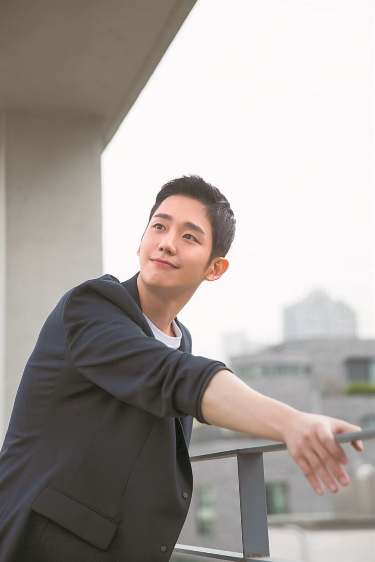 Actor Jung Hae-in, who starred in hit JTBC TV drama 'Something in the Rain' / Courtesy of FNC Entertainment