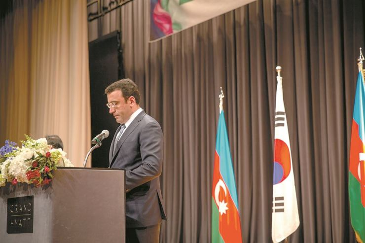 Azerbaijani Ambassador to Korea Ramzi Teymurov delivers a speech during a reception to celebrate the 100th anniversary of Azerbaijan's first democratic republic at the Grand Hyatt Seoul, May 21. / Embassy of Azerbaijan