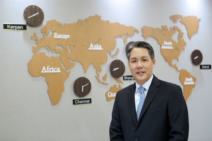 Min Sung, vice president for the product groups of Hanon Systems, poses at the company's office in Seoul. The manufacturer of air conditioning and heating systems for vehicles has 40 manufacturing plants and 18 engineering centers worldwide. / Courtesy of Hanon Systems