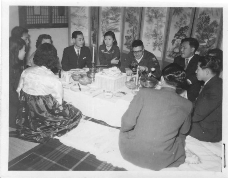 Bill Morgenstein, center right, sits with his Korean students in the late 1950s. / Courtesy of Bill Morgenstein