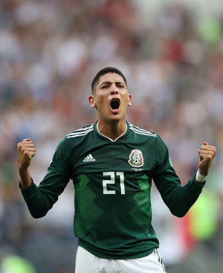 Mexico's Edson Alvarez celebrates after the match. / Reuters
