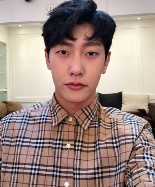 Park Jin-young. Yonhap