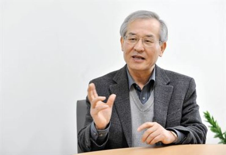 Park Gwang-seo, professor emeritus at Sogang University / Korea Times file