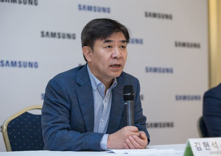 HS Kim, president and CEO of Consumer Electronics Division at Samsung Electronics, speaks during a meeting with Korean journalists at the Westin Grand Berlin, Thursday, a day before the start of the Internationale Funkausstellung (IFA) Berlin, Europe's largest consumer electronics and home appliances show. / Courtesy of Samsung Electronics