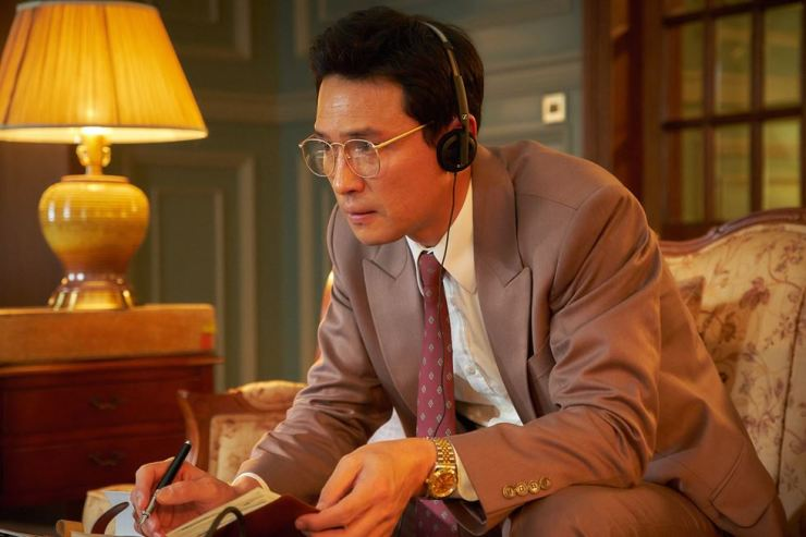 Actor Hwang Jung-min plays the role of a South Korean agent in the movie 'The Spy Gone North.' Courtesy of CJ Entertainment