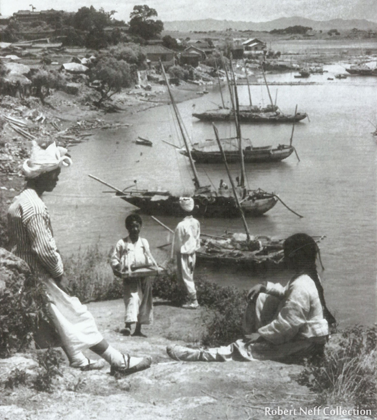 Looking down on one of the Han River ports in the late 19th century.