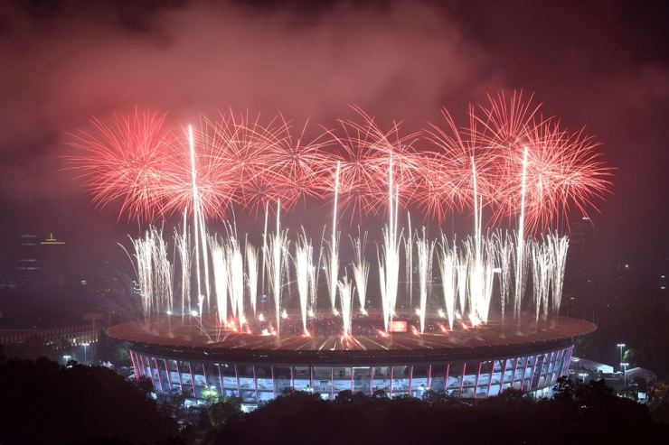 Fireworks explode over the Gelora Bung Karno main stadium during the closing ceremony of the 2018 Asian Games in Jakarta on September 2, 2018. AFP