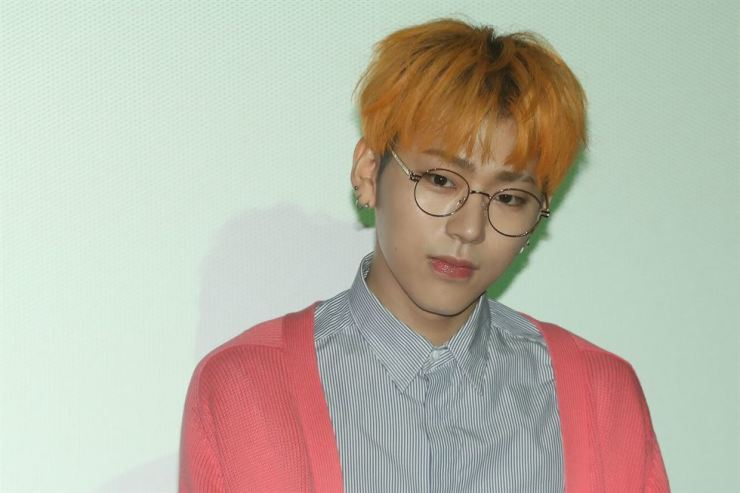 Woo Ji-ho, better known by his stage name Zico, is a rapper and singer-songwriter leading the boy band Block B. He has been included in President Moon Jae-in's official entourage to the inter-Korean summit in Pyongyang. Moon's office announced on Sunday the 52-member delegation for the summit on Tuesday to Thursday that includes government officials, politicians, business leaders and representatives from various social segments. / Yonhap