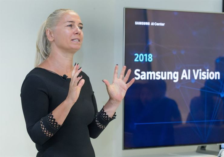 Professor Maja Pantic of Imperial College London, one of the leaders of the Samsung AI Center in Cambridge, explains Samsung Electronics' AI vision during a meeting with Korean reporters in London, Monday. / Courtesy of Samsung Electronics