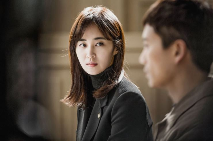 Kwon Yuri, left, from 'Innocent Defendant' on SBS (2017)
