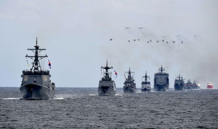 A fleet of vessels from the Korean Navy takes part in a rehearsal for the International Fleet Review off the coast of the nation's southern resort island of Jeju, Tuesday, a day before the Navy begins the five-day-long global fleet review there. / Courtesy of Republic of Korea Navy