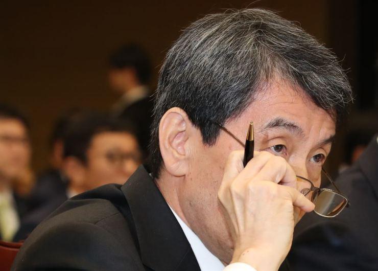 Korea Development Bank Chairman Lee Dong-gull / Yonhap