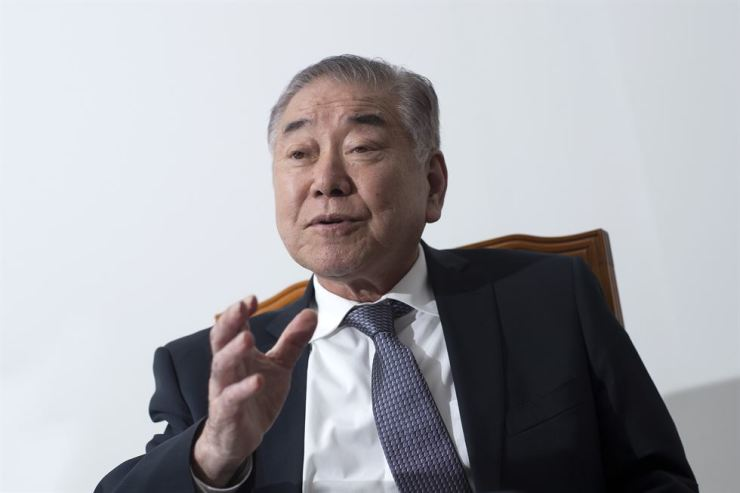 Moon Chung-in, a special presidential adviser for unification, diplomacy and national security affairs, speaks during an interview with The Korea Times at his office in Seoul last week. / Korea Times photo by Shim Hyun-chul
