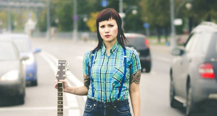 Acoustic punk singer-songwriter Jenny Woo / Courtesy of Jenny Woo