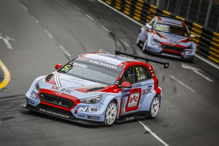 Hyundai Motor i30 N TCR racing cars run on the Guia circuit in Macau, during the 2018 World Touring Car Cup's season finale from Thursday to Sunday. / Courtesy of Hyundai Motor