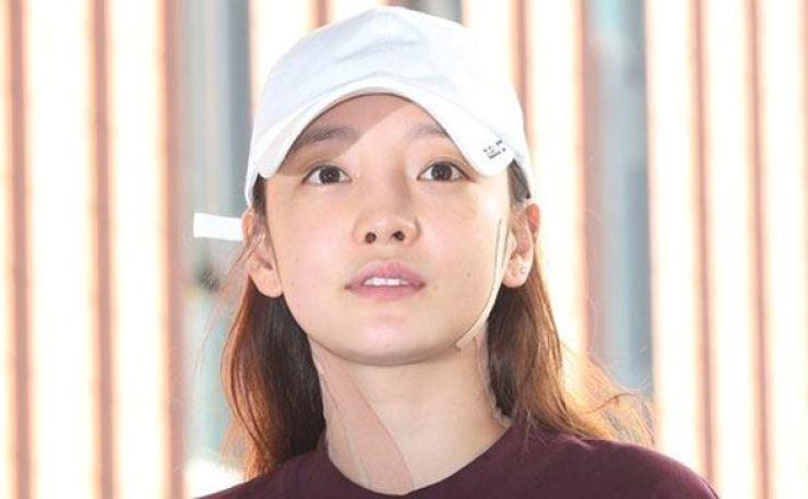 Singer Koo Ha-ra will meet fans in Japan on Christmas Eve. Yonhap