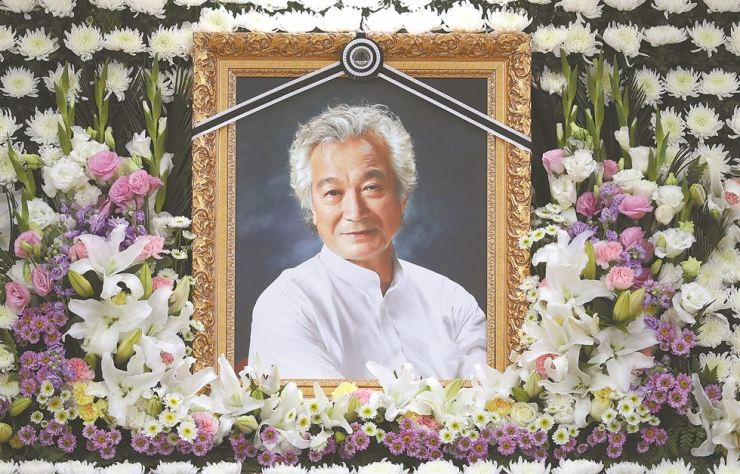 A memorial hall for the late actor Shin Sung-il is set up at the Asan Medical Center in Seoul, Sunday, following his death from lung cancer. Korea Times