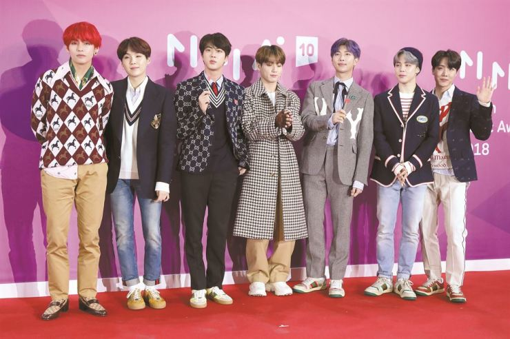 Members of BTS pose for a photograph on the red carpet at the 2018 Melon Music Awards on Dec. 1. Yonhap