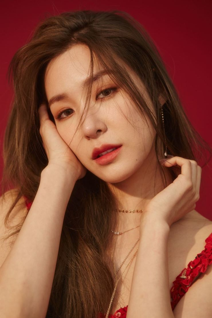Girls' Generation's Tiffany has released an official statement on her father's recent fraud controversy. Courtesy of Tiffany Young official website