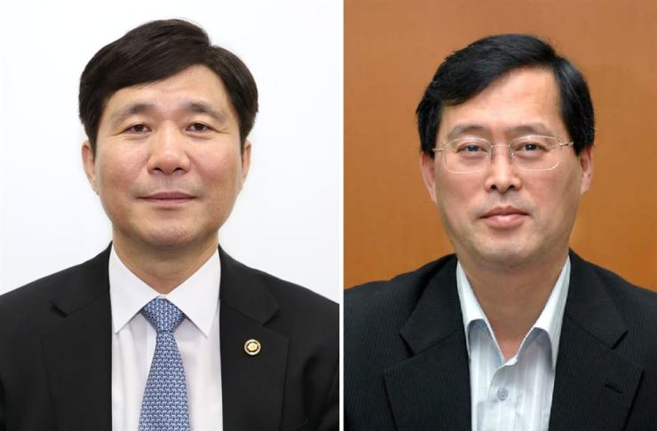 Minister of Trade, Industry and Energy Sung Yun-mo, left, and Korea Hydro & Nuclear Power CEO Chung Jae-hoon / Korea Times file