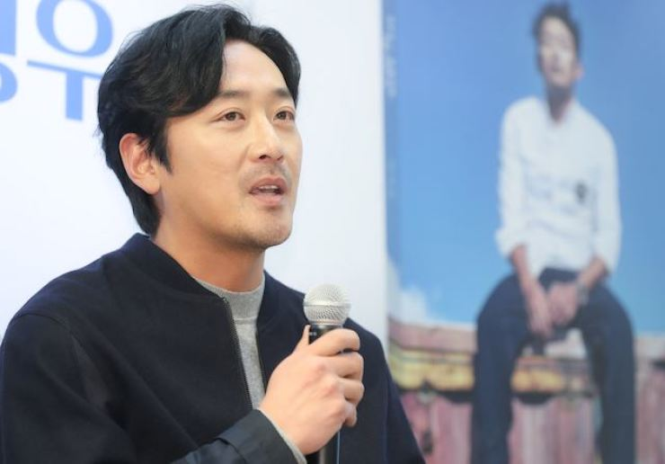 Actor Ha Jung-woo has bought a building in Sokcho, Gangwon Province. Yonhap