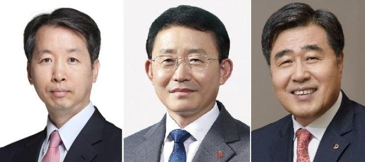 From left are Hyundai E&C CEO Park Dong-wook, Lotte E&C CEO Ha Suk-joo and Daewoo E&C CEO Kim Hyung. / Korea Times file