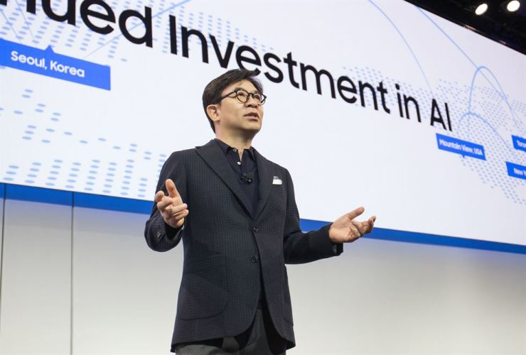 Kim Hyun-suk, president of Samsung Electronics' consumer electronics division, speaks during a press conference at the Consumer Electronics Show in Las Vegas, Tuesday. / Courtesy of Samsung Electronics