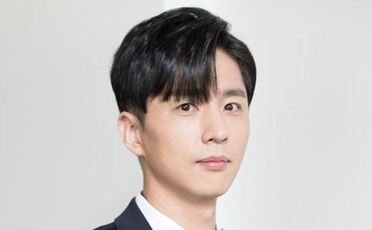Actor Shin Dong-wook is involved in a legal battle with his grandfather. Courtesy of Snowball Entertainment