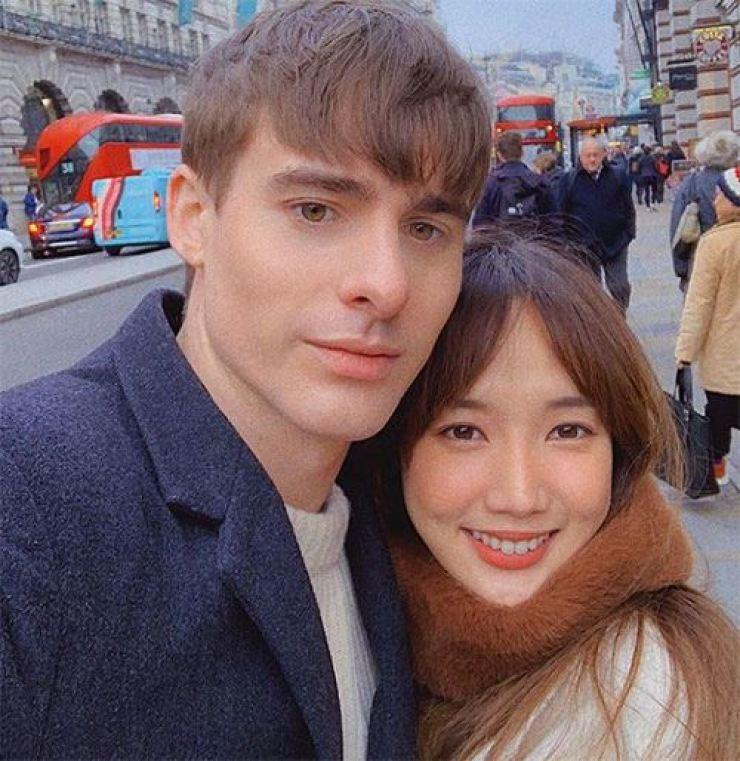 Josh and GabieKook. Captured from GabieKook's Instagram