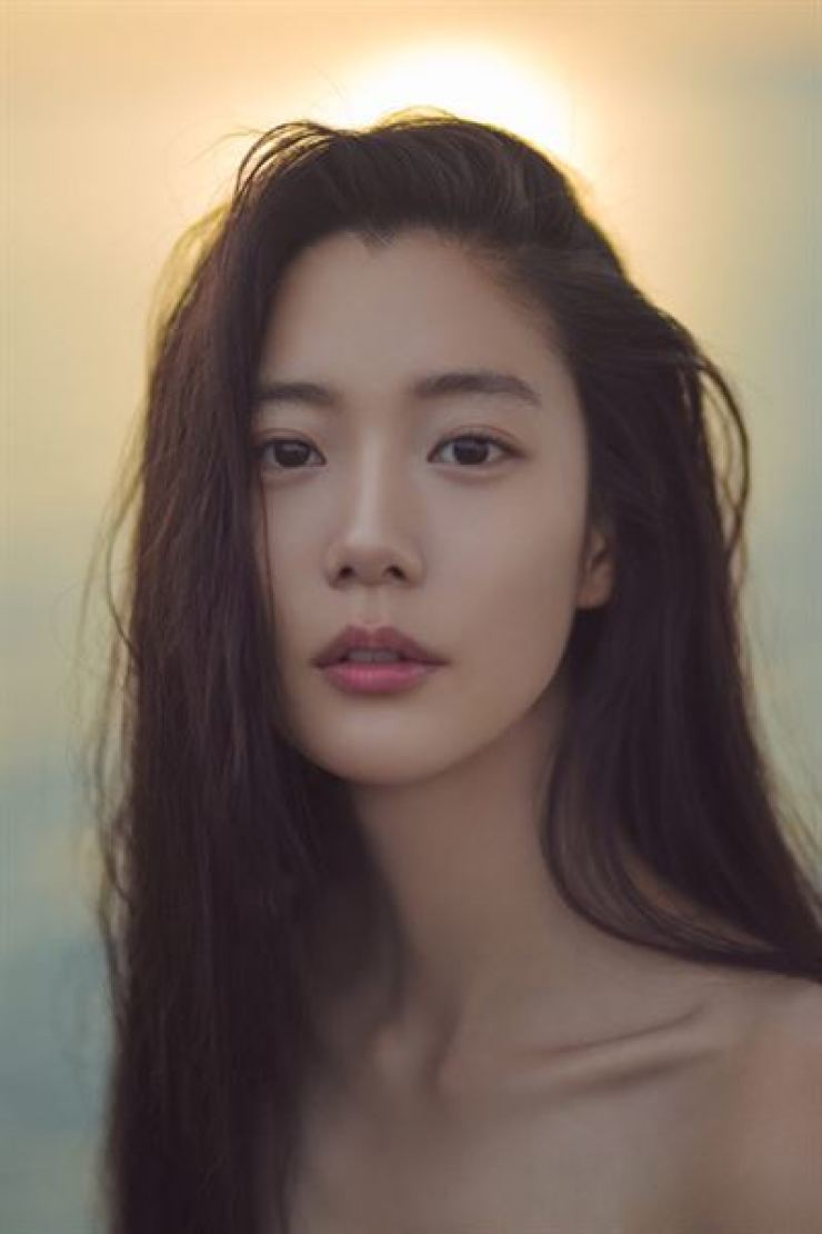 Actress Clara to marry Korean-American fiance in LA